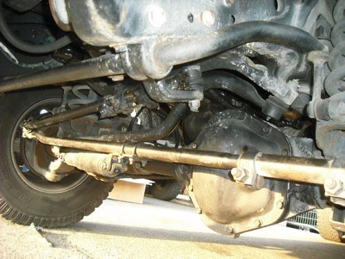 ダッジ ラムピックアップ・トラック 修理 トラックバー交換