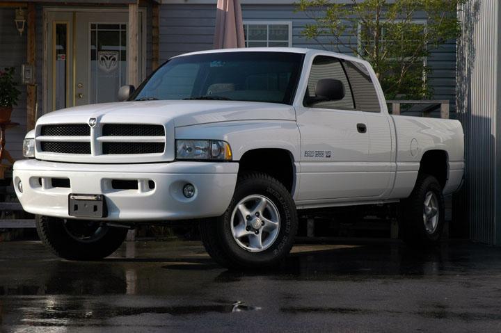 2001年式 ダッジラム 1500 4WD スポーツパッケージ<br>SOLD OUT