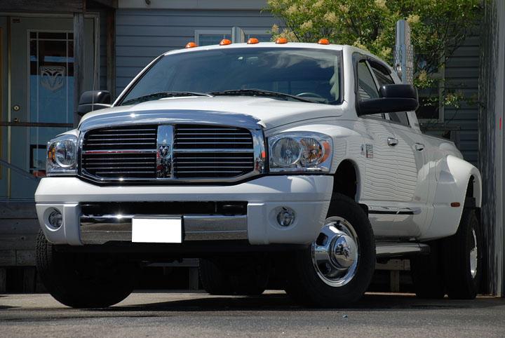 2007年式 ダッジラム 3500 メガキャブ デューリー 4WD ララミー<br>SOLD OUT