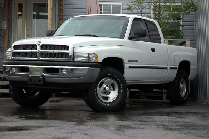1999年式 ダッジラム 1500 4WD SLT<br>SOLD OUT