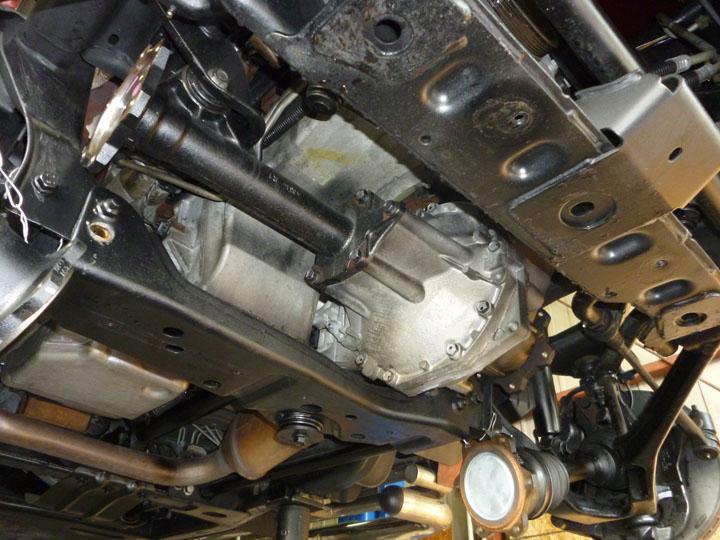 ハマー H2 修理 フロントデフサイドシール交換
