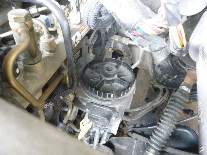 ダッジ ラムトラック ディーゼル 燃料フィルター交換