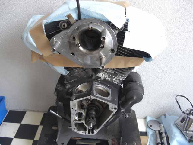 93y ハーレー FXSTS エンジン修理!!