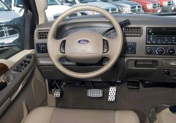Ford-F-Series-Putco-Billet-Foot-Pedals