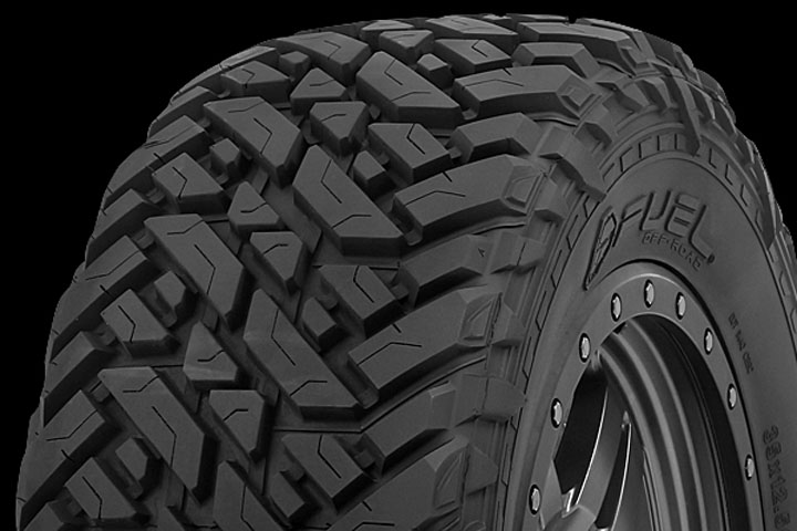 fuel-tires-mud-gripper-m-t-close-up