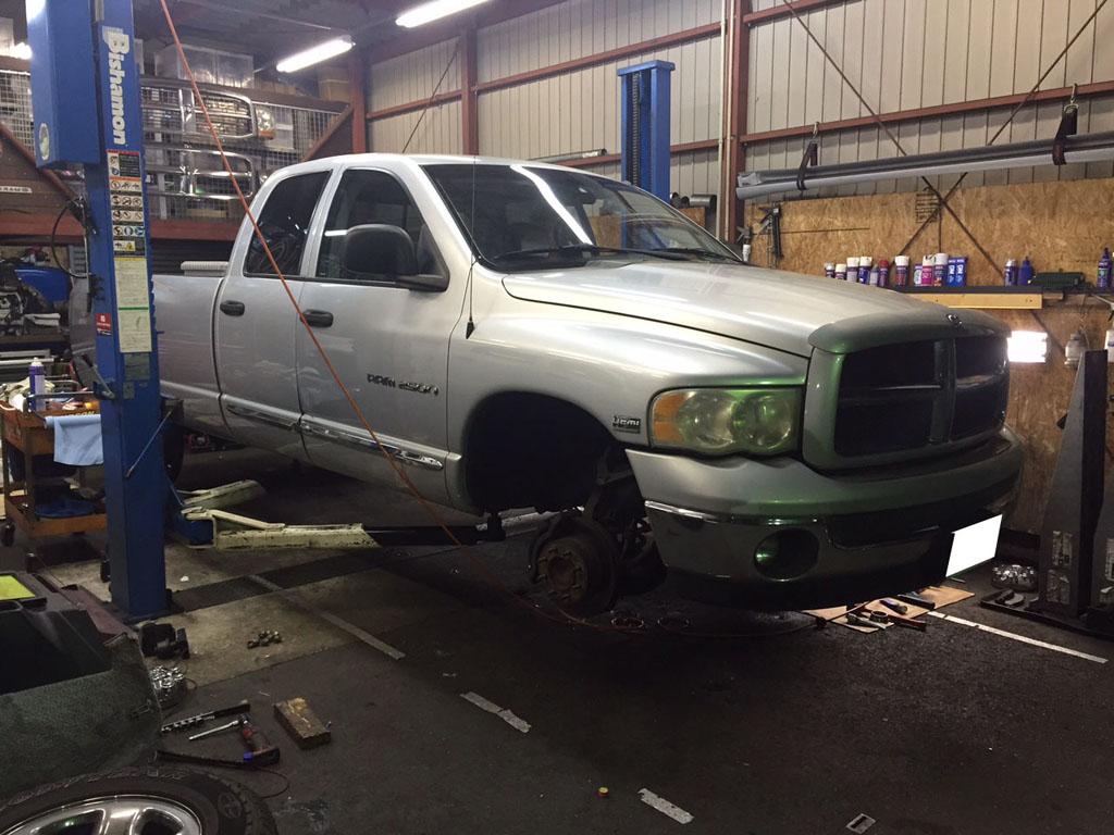 ダッジラムトラック ブレーキ修理