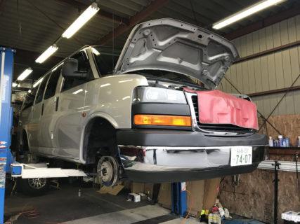納車準備中 07y GMCサバナ AWD 新車並行 1.9万マイル